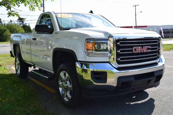 2016 GMC SIERRA REGULAR CAB 2500 4WD HEAVY DUTY Photo 2