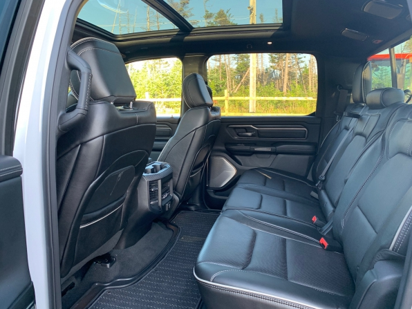 2019 RAM 1500 CREW CAB LIMITED HEMI LOADED 14000K Photo 10