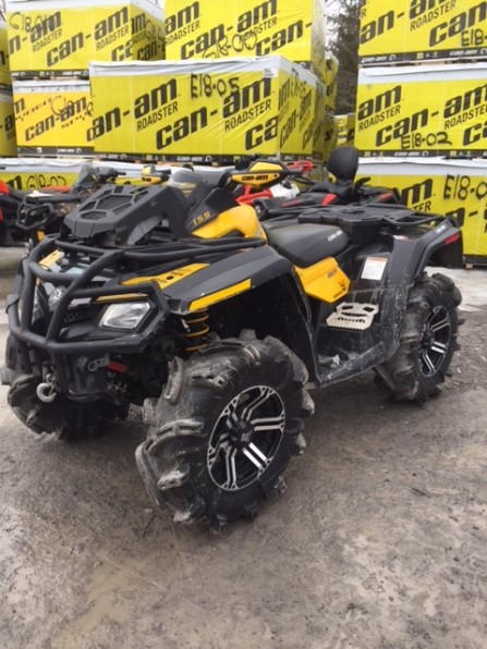 2011 CAN AM OUTLANDER XMR Photo 1