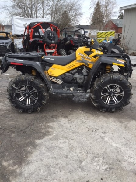 2011 CAN AM OUTLANDER XMR Photo 2
