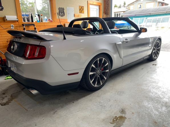 2012 FORD MUSTANG GT CALIFORNIA SPECIAL CONVERTIBLE 6 SP MANUAL  Photo 2