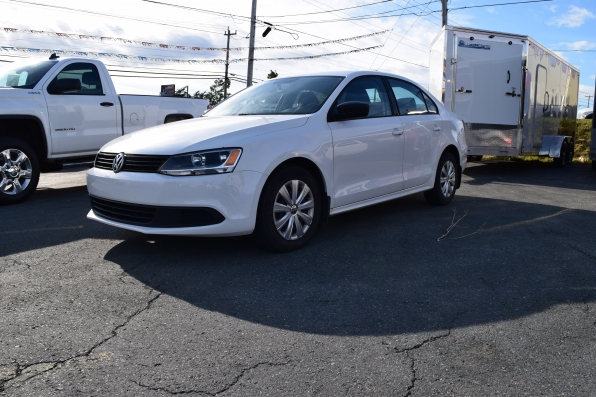 2012 VOLTSWAGON JETTA SEDAN