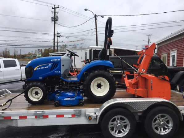 2012 NEW HOLLAND BOOMER 25 TRACTOR BLOWER MOVER