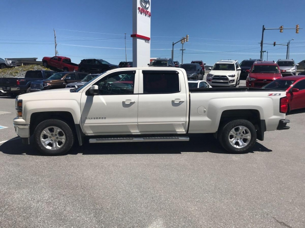 2015 CHEVROLET SILVERADO 1500 CREW CAB Z71 4WD Photo 2