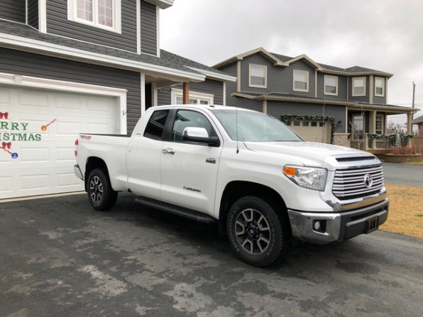 2015 Toyota Tundra Photo 1