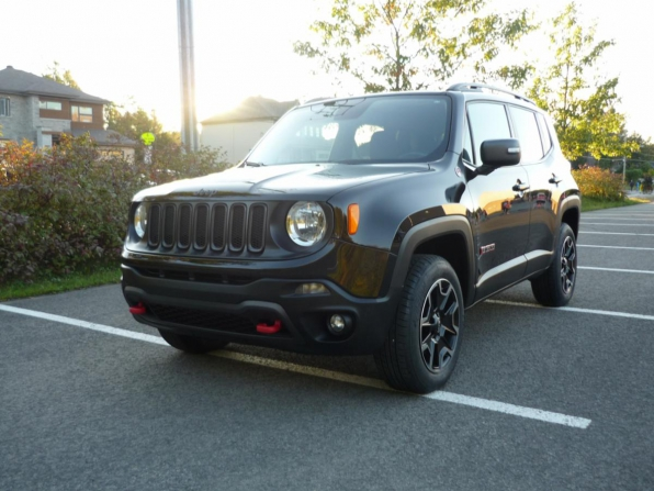 2016 JEEP RENEGADE ALL WHEEL DRIVE TRAIL HAWK ONLY 54K