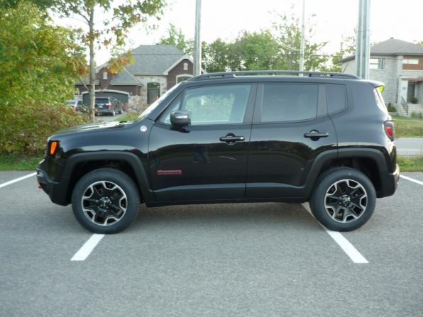 2016 JEEP RENEGADE ALL WHEEL DRIVE TRAIL HAWK ONLY 54K Photo 3