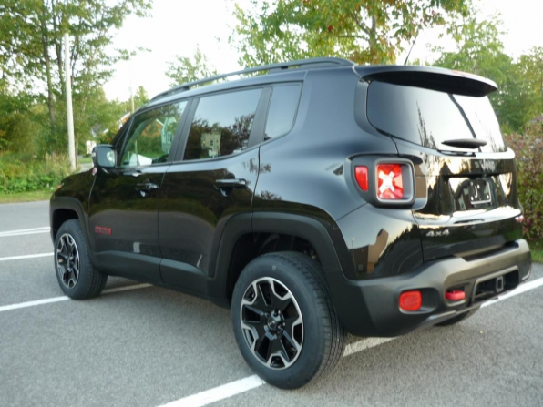 2016 JEEP RENEGADE ALL WHEEL DRIVE TRAIL HAWK ONLY 54K Photo 4