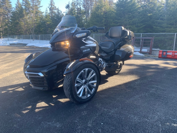 2017 CAN AM SPYDER F3 TOURING LIMITED W/REAR AIR SUSP GPS