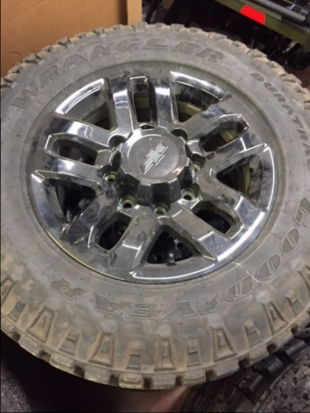 2017 CHEVROLET 2500 WHEEL TIRE Photo 1