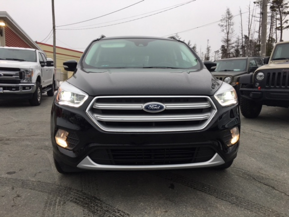 2017 FORD ESCAPE TITANIUM  Photo 4