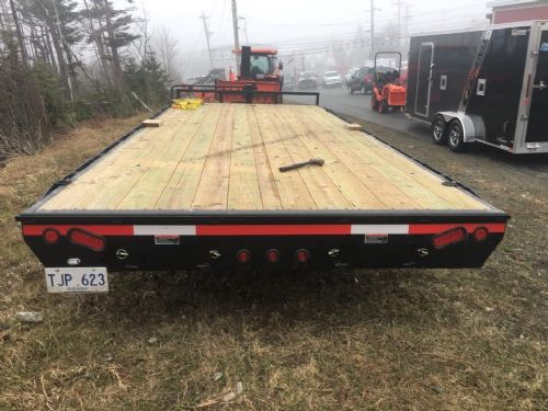 2017 Load Trail Trailer Photo 1