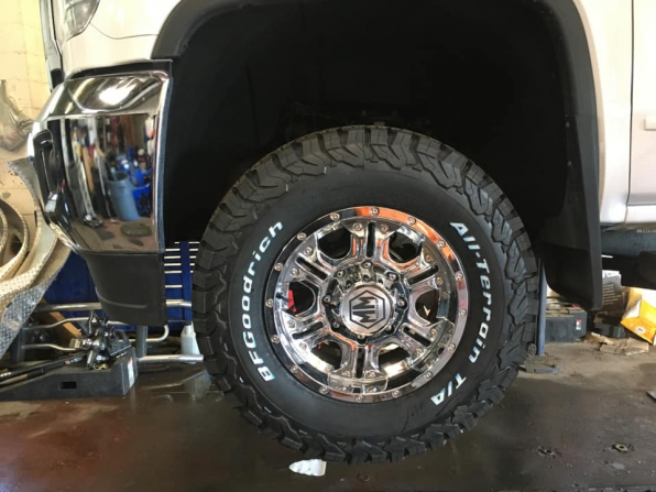 2017 MOTO METAL  AFTER MARKET ALLOYS LT 275 70 17