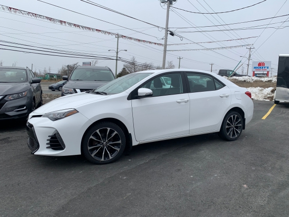 2017 TOYOTA COROLLA SE SUNROOF ALLOYS 36K
