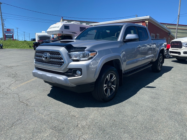 2017 TOYOTA TACOMA DOUBLE CAB TRD SPORT 4WD