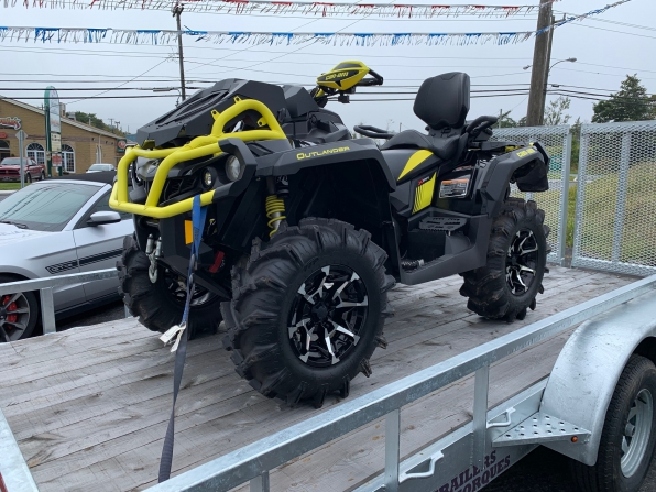 2018 CAN AM XMR 1000 w 2 Up Seat