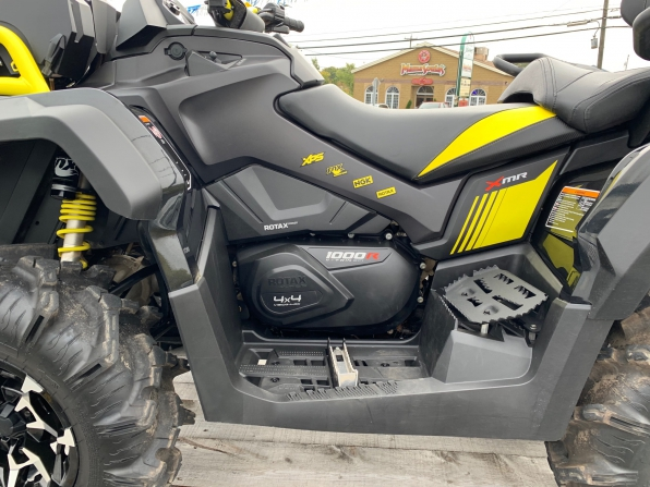 2018 CAN AM XMR 1000 w 2 Up Seat Photo 2