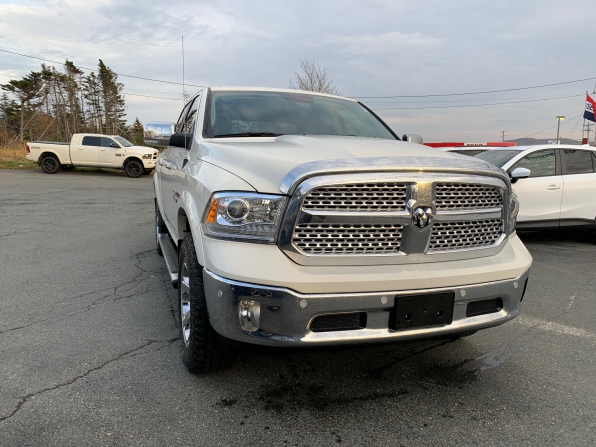 2018 DODGE RAM 1500 LARAMIE ECO DIESEL Photo 2