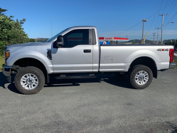 2018 FORD F-350 SUPER DUTY REGULAR CAB 4WD XLT PREMIUM  Photo 1