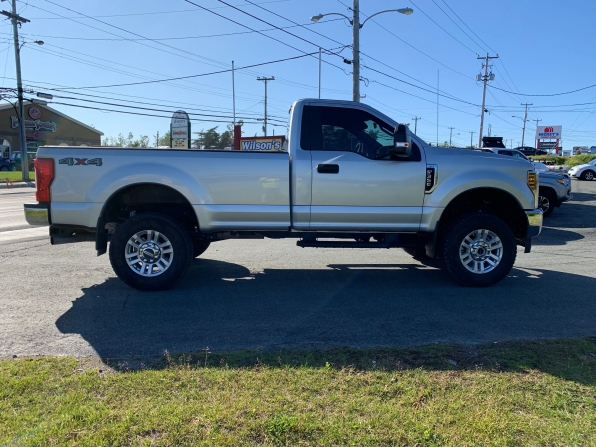 2018 FORD F-350 SUPER DUTY REGULAR CAB 4WD XLT PREMIUM  Photo 4