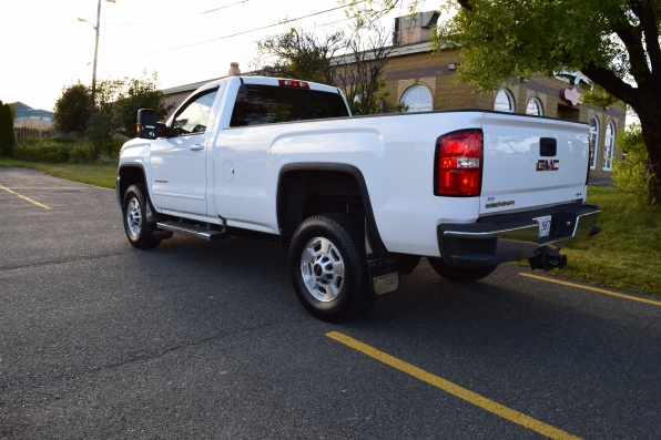 2018 GMC SIERRA REG CAB 4WD SLE Z71 Photo 2