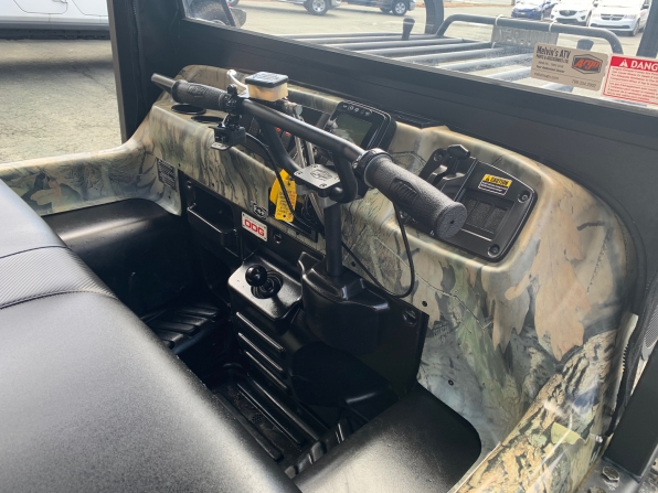2019 ARGO HUNTMASTER W/TRACKS/ROPS/HEATED/ WS/CANOPY/WINCH WIPER  Photo 2