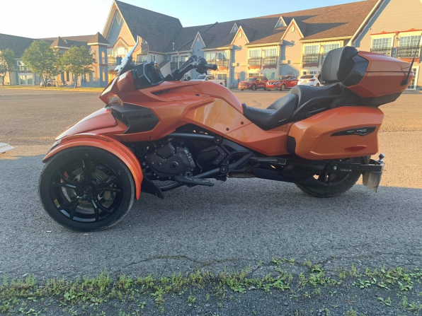 2019 CAN AM SPYDER F3 LIMITED TOURING  Photo 6