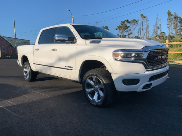 2019 RAM 1500 CREW CAB LIMITED HEMI LOADED 14000K Photo 17