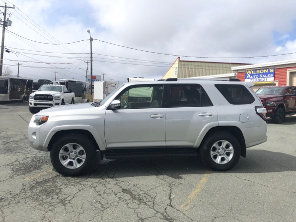 2019 TOYOTA 4 RUNNER SR-5 LOADED 15000 K Photo 1