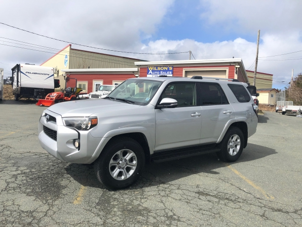 2019 TOYOTA 4 RUNNER SR-5 LOADED 15000 K