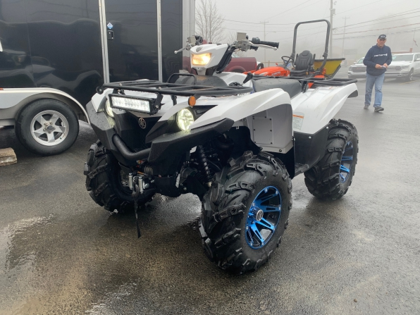 2019 YAMAHA GRIZZLY 700 SE  WINCH WHEELS LIGHT BAR 37 MILES